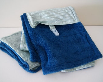 Blanket with pocket and clip - Baby blanket - Blue baby blanket - Blue fleece blanket