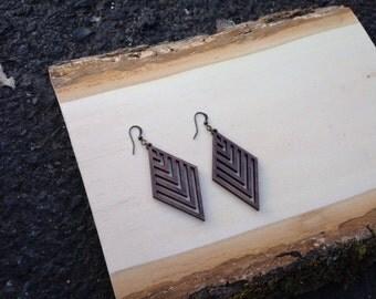 Rhombus pattern lasercut earring