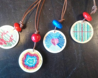 Wood pendant chain embroidered