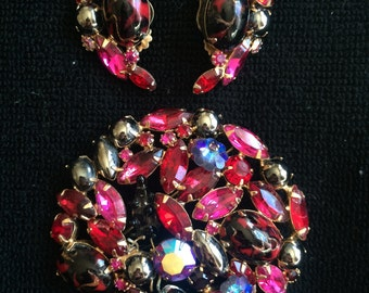 Large Red/Pink/Black Vintage Rhinestone Brooch & Earring Set