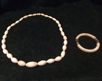 Ivory necklace and bracelet from the 30's