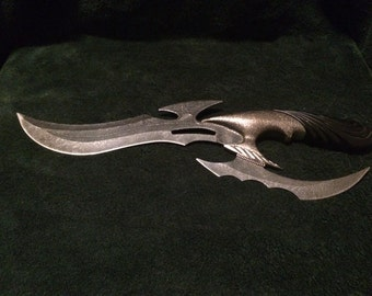 Medieval-style dagger