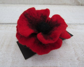 Red Poppy Brooch, hand felted, flower brooch, wet felted, hand made, felt pin gift for her wedding bridesmaid mothers day