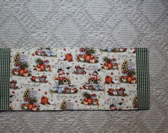 Table runner with four coasters
