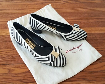 Unworn Ferragamo Vara Pumps / Ferragamo Black and White Striped Shoe / Ballerina Flats / Size 9 B