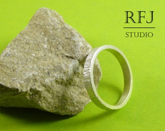 Matte Stacking Silver Hammered Ring, 3 mm Tiny Texture Ring, Hand Textured Ring, Stackable Matte Ring, 925 Silver Hammered Ring, Matte Ring