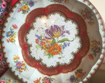 A vintage 1971 daher decorated ware tin bowl