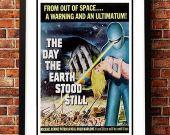 The Day the Earth Stood Still - Vintage Sci Fi / Horror Movie Poster Print