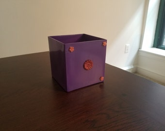 "6"" Decorative Glass vase/container"