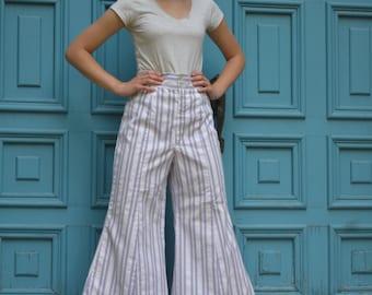 1970s Bell Bottom Pants // Size xs