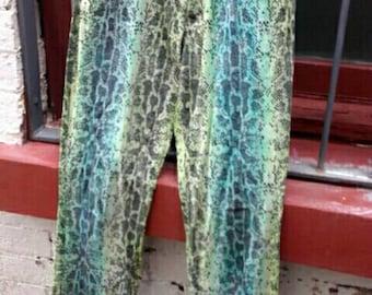 Vintage green lime snake skin pattern high waist tapered leg straight mom mum jeans 80s 90s