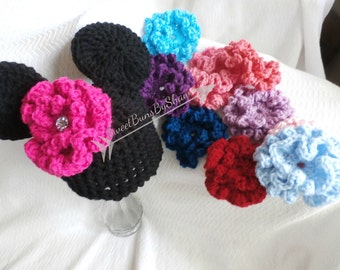 Crochet Minnie Mouse inspired hat with 10 interchangeable flowers for Baby!  Available in 0-3, 3-6, or 6-12 months! Handmade to Order