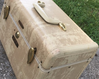 Vintage Beige Train Case