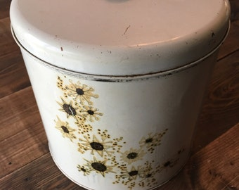 Vintage Decorative Tin Canister With Lid