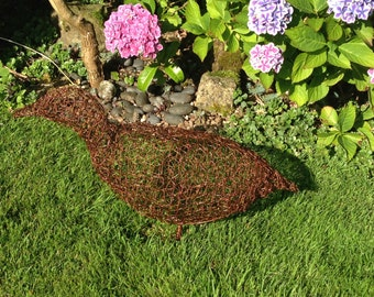 Duck wire sculpture. Wire bird. Duck. Bird. Garden art. Garden decor. Garden statue. Garden ornament. Garden decoration. Outdoor. Garden.