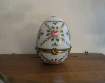 Egg trinket container  w/ free ship