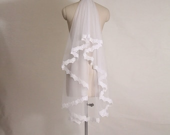One Layer Lace Bridal Veils