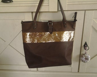 Tote has Brown sequined band