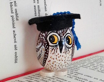 OWL hand painted on wooden egg-wedding favor or gift for graduation