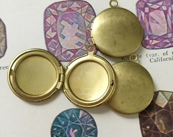 3pcs VINTAGE BRASS LOCKETS 1960s Hinged