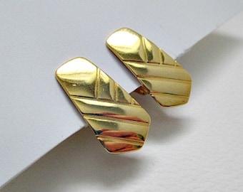 Goldtone Textured Vintage Clip On Earrings - Vintage Jewelry Earrings