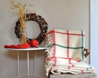 Vintage Woven Blanket Plush Icelandic Wool Samband Creamy White Red Green Plaid