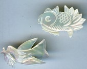 TWO Vintage 1950s Carved Mother Of Pearl Pin Brooch FISH BIRD Dove Olive Branch 2413