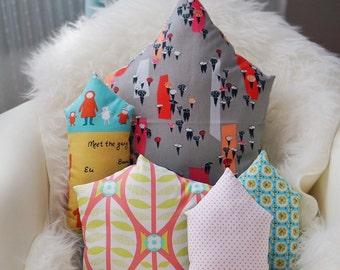 Home sweet Home - Tall House ( Umbrellas)