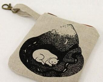 Linen change purse, zipper pouch, coin purse, card key bag, screenprinted bag, bear design, natural fabric purse, clip on bag