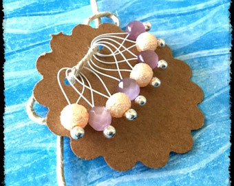 Snag Free Stitch Markers Medium Set of 8 -- Lavender and Peach Glass -- M48 -- For up to size US 11 (8mm) Knitting Needles