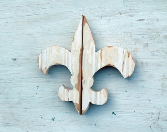 Cream Fleur de Lis, Reclaimed Wood Decor, New Orleans Symbol, Southern Decor, Reclaimed Wood Wall Art, Rustic Wall Art, Boho Wall Decor