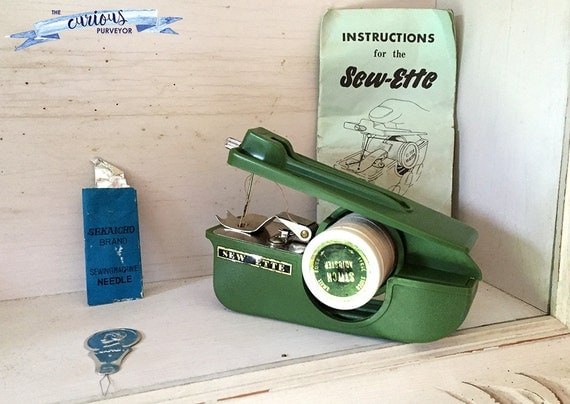 vintage unused sew ette hand held sewing machine stitcher. Black Bedroom Furniture Sets. Home Design Ideas