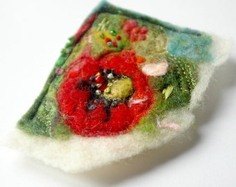Poppy Brooch : Felted Wool & Silk Handmade Pin (Poppies for Remembrance)