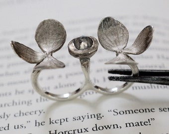 Delicate flower and diamond sterling silver ring , 2 finger flower and diamond silver ring by Zulasurfing
