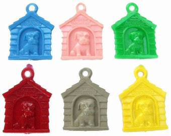 10 x Plastic Doghouse Charms