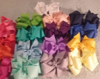 17 boutique hairbows lot
