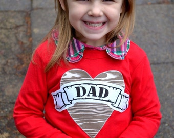 Girls wood Valentine Day Woodgrain Father's Day Father Son Daughter Fathers outfit Mom Heart Tattoo Shirt lil bro big sis Valentines fox red