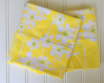 Yellow Floral Pillow Cases - New - Unused - Full - Queen - Sunny Yellow Daisies - Bright Yellow