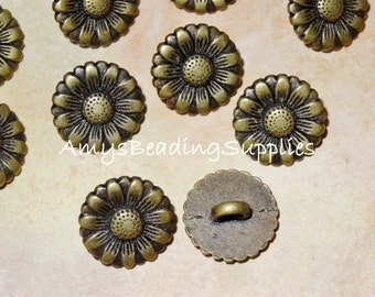 2 Button Flower 15mm Antique Brass Plated