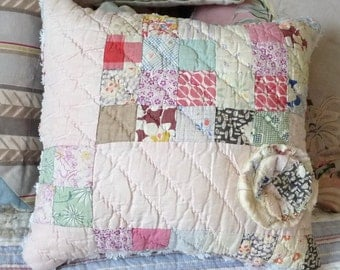 Upcycled quilt, upcycled chenille, cutter quilt pillow, vintage chenille pillow, pink chenille, patchwork pillow, cottage chic, porch pillow