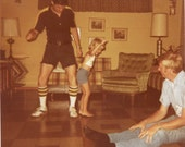 Vintage photo color photo 1978 Teen Boy Boogie Dancing The Bump Little Girl Dad Watch color snapshot