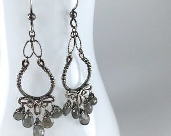 Silver Labradorite Chandelier Earrings || Oxidized Silver Chandelier Earrings || Labradorite Silver Chandelier Earrings