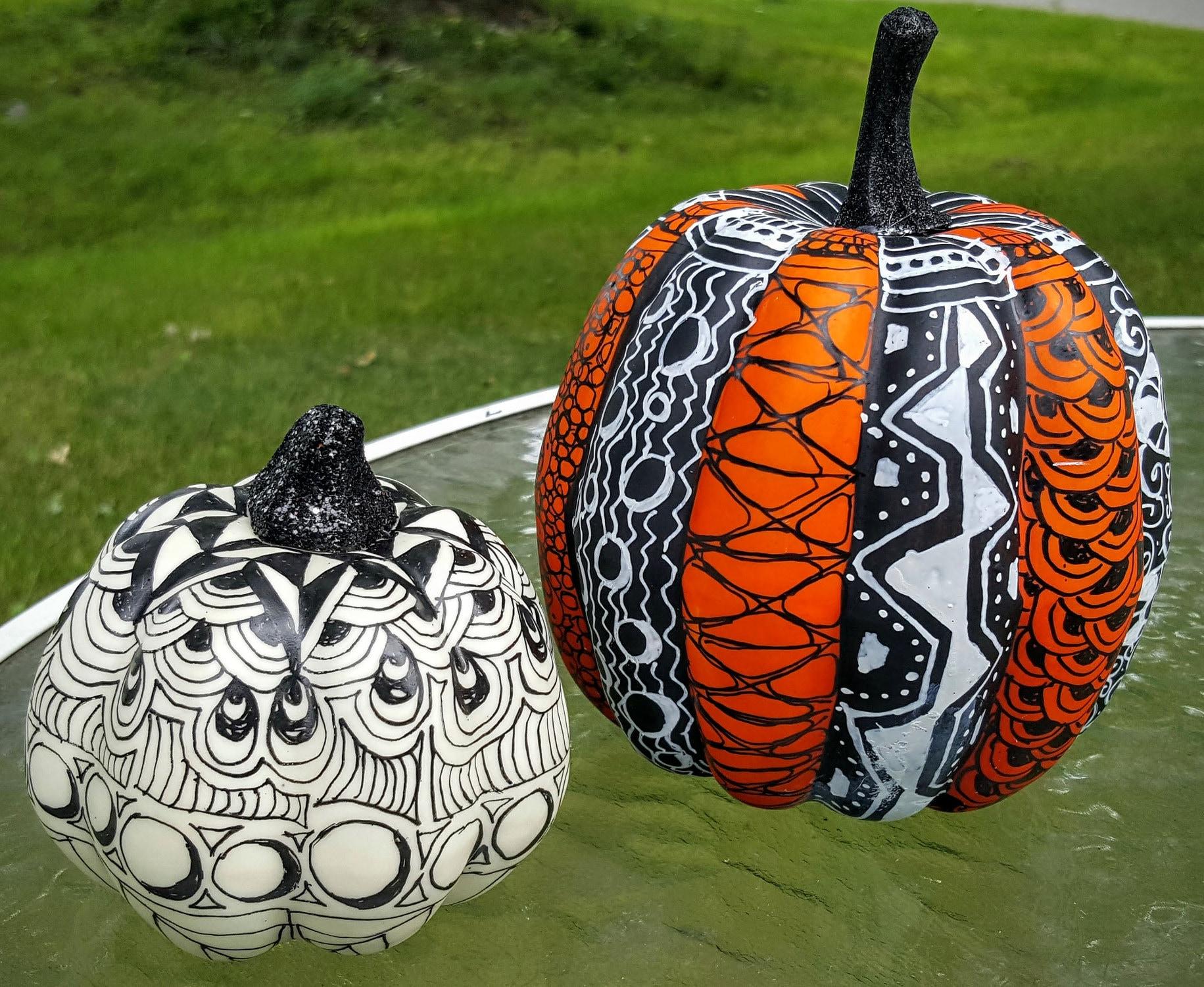 Graphic pumpkin decorations