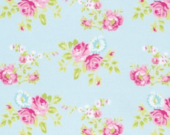 Tanya Whelan, Zoey's Garden collection, Zoey Rose in Blue, yard