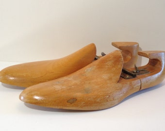 Pair of Vintage Wooden Shoe Stretchers Made in Yugoslavia Vintage Men's Shoe Forms