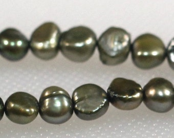 Sage green freshwater pearls 5 mm side drill