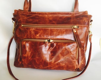 Large Willow bag in antique cognac- clip on cross body strap