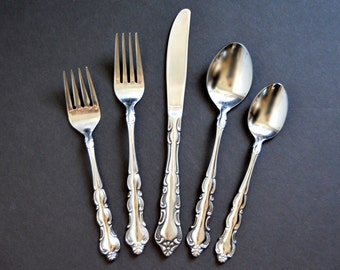 SALE-United Silver Co Flatware Service -Vintage Scroll Ornate Pattern Stainless Steel Forks Knives Spoons 36 Piece Set for 7 Japan USI16