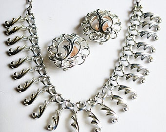 Sarah Coventry Fancy Free Set, SC Necklace and Earring set, Silver Necklace and Earrings