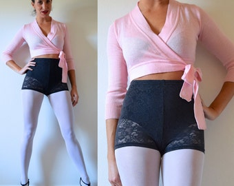 Vintage 80s 90s Rond de Jambe Pink Wrap Cropped Ballerina Sweater (size xs, small)